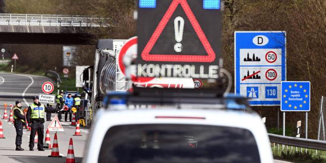 Die Polizei kontrolliert die Einreisequarantäne für die Corona-Verordnung
