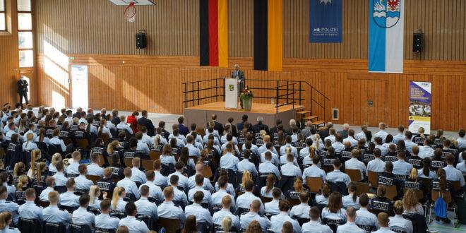 850 neue Studenten an der Polizeischule