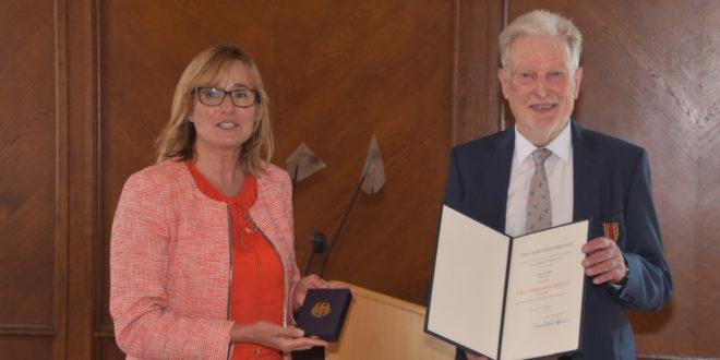 Bundesverdienstkreuz für Professor Peter Voss