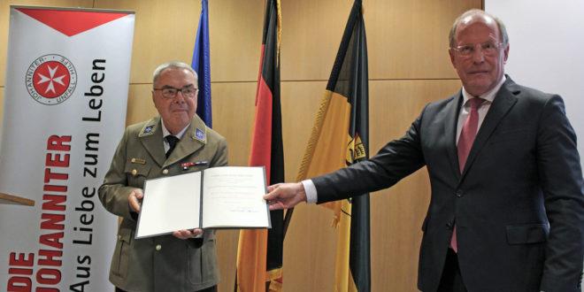 Bundesverdienstkreuz für Wolf-Dieter Graf von Degenfeld-Schönburg