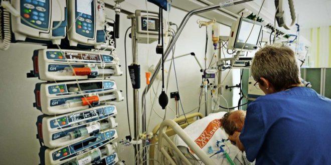 Die Arbeit auf einer Intensivstation erfordert speziell geschultes Personal. Foto: dpa/Patrick Seeger