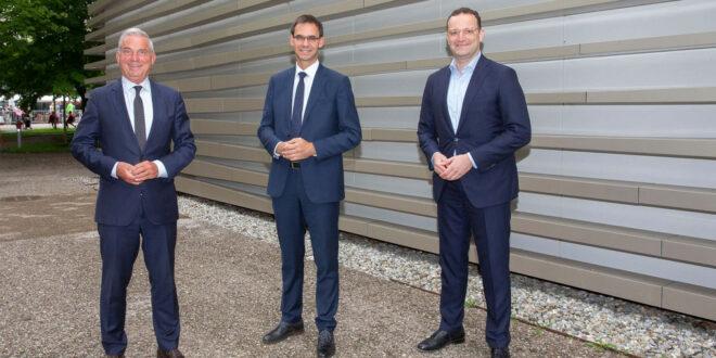 Deutschland und Österreich reden über Corona-Situation und Reisen