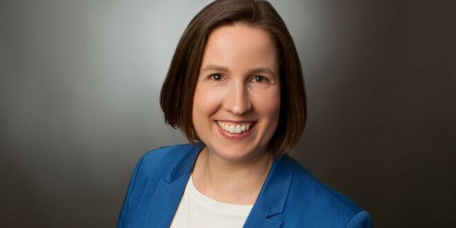 Dr. Hilde Neidhardt wird erste Staatsbeamtin im Landkreis Enzkreis