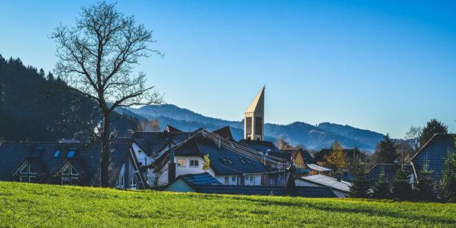 Glockenturm St. Georg in Bleibach im Schwarzwald eingeweiht