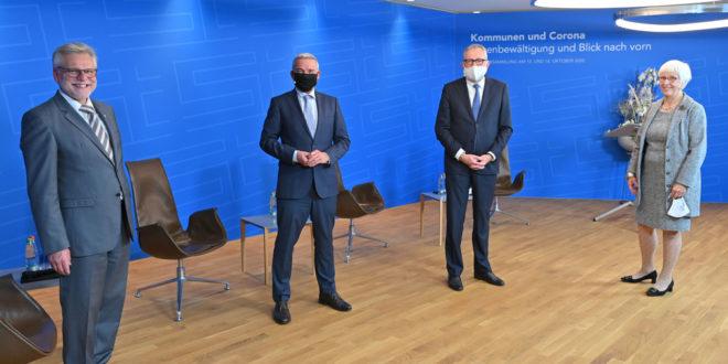 Innenminister eröffnet die Generalversammlung des Stadtrats