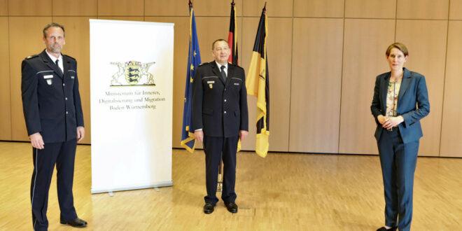 Landespolizeipräsidentin Dr. Stefanie Hinz (links) verabschiedete Landespolizeidirektor Karl Himmelhahn (Mitte) in den Ruhestand. Nachfolger wird Martin Feigl (rechts).