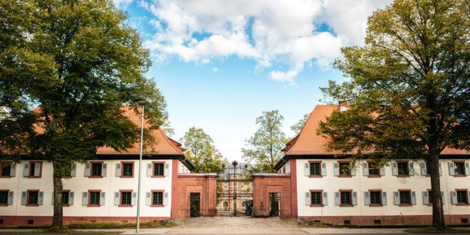Kavalierhäuser an die Musikuniversität Karlsruhe übergeben