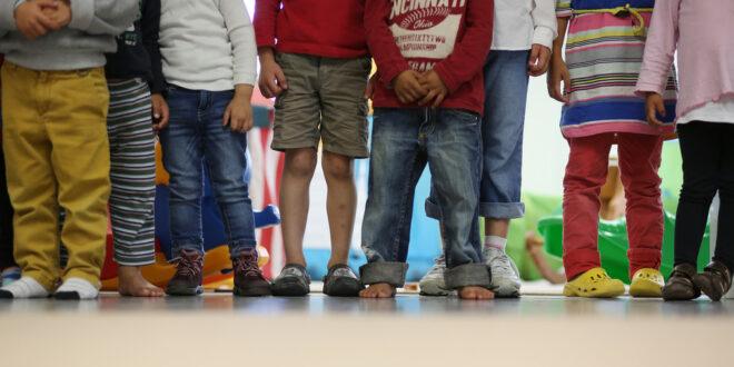 Land unterstützt acht weitere Präventionsnetzwerke gegen Kinderarmut