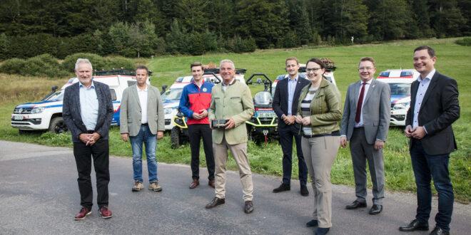 Land versorgt Bergwacht Schwarzwald mit zehn neuen Fahrzeugen