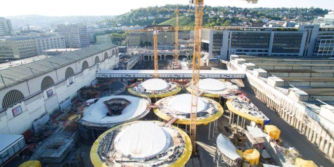 Die neue Bahnsteighalle von Stuttgart21 nimmt langsam Gestalt an. Foto: dpa/Sebastian Gollnow