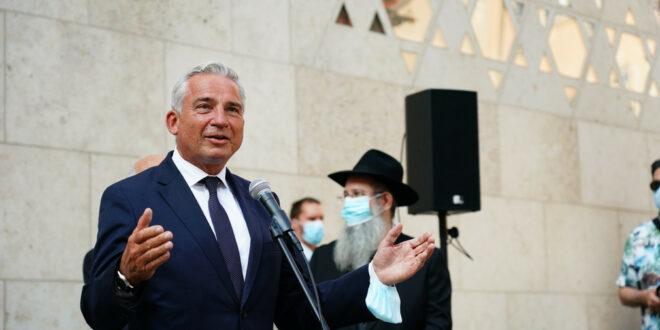 Minister Strobl besucht die jüdische Gemeinde in Ulm
