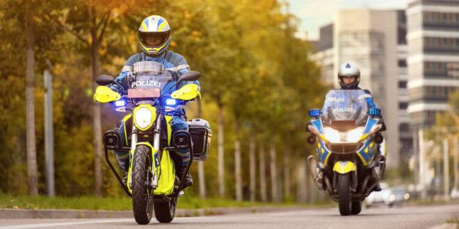 Modellprojekt Elektromotorräder für die Polizei