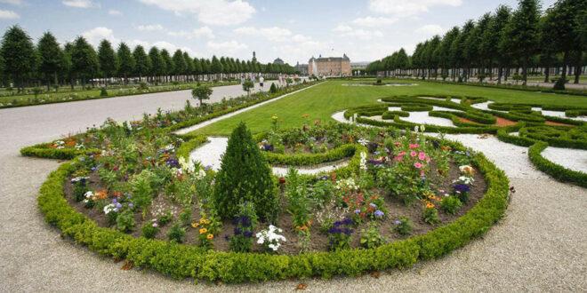 Nachhaltige Bodensanierung startet im Schwetzinger Schlossgarten