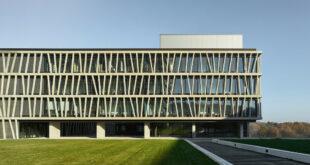 Neubau für das Interfaculty Institute for Biochemistry übergeben