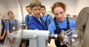 Neue Informationsangebote für junge Menschen zu Studium und Arbeit
