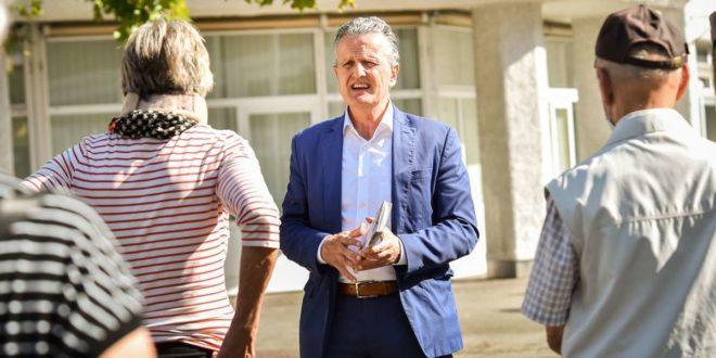 OB-Kandidat Frank Nopper, Bürgergespräch in Weilimdorf: Das Auto nicht verteufeln. Foto: Lichtgut - Ferdinando Iannone/Ferdinando Iannone