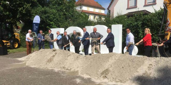 Spatenstich zum Glasfaserausbau im Neckar-Odenwald-Kreis
