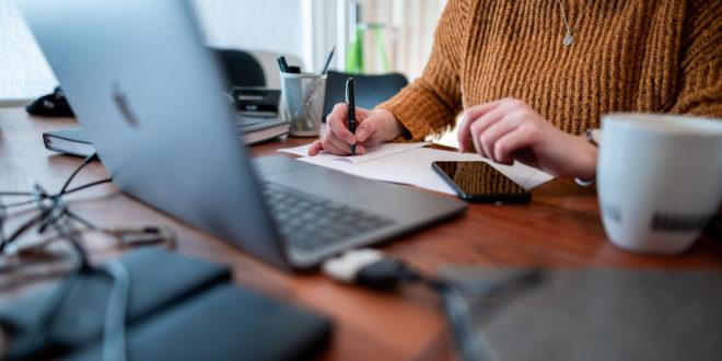 Umsetzung der Verpflichtung, gemeinsam, pragmatisch und verhältnismäßig von zu Hause aus zu arbeiten