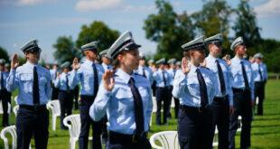 Vereidigungszeremonie für angehende Polizisten