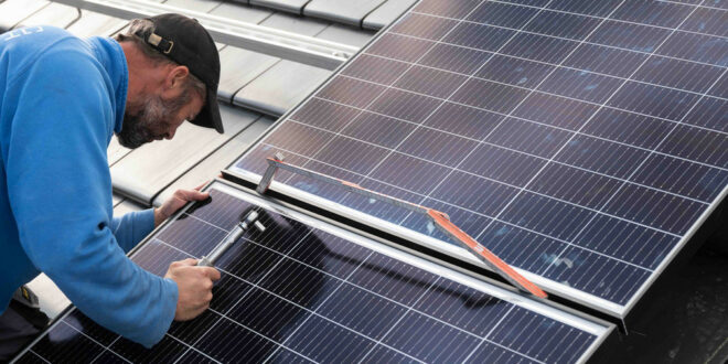 Walker fördert verpflichtende Photovoltaik auf Bundesebene