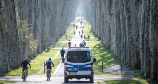 Polizeistreife im Stuttgarter Schlossgarten